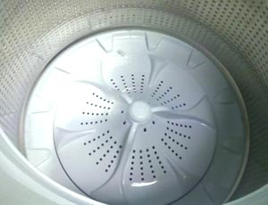 how does a washer work without an agitator